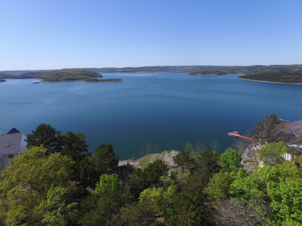 Table rock lake homes for sale real estate lakefront for Table rock lake